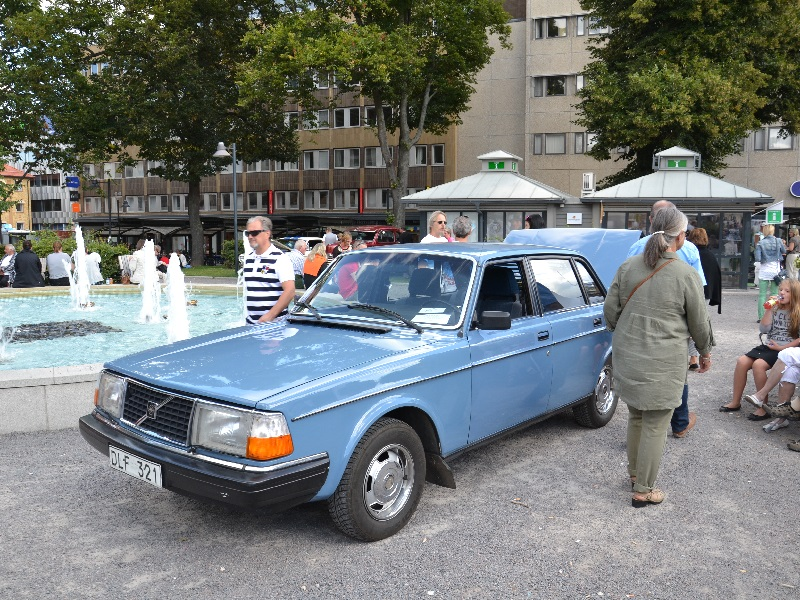 volvo-244-dl-1982